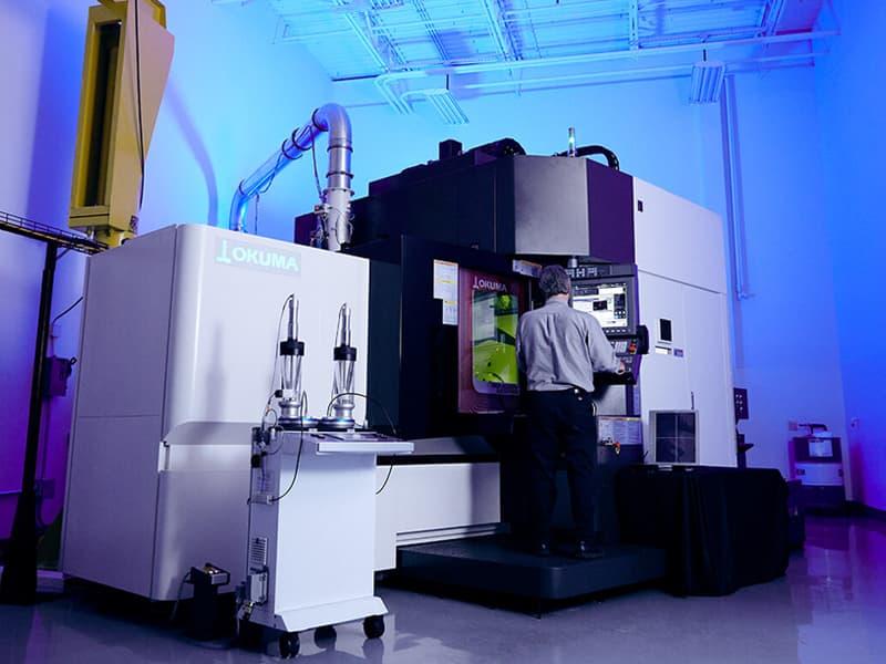 Okuma Laser EX para fabricación aditiva láser