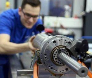 Reparación de husillo de centro de mecanizado