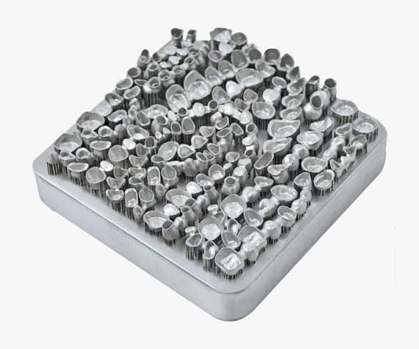 Farsoon coronas dentales hechas con fabricación aditiva de metal